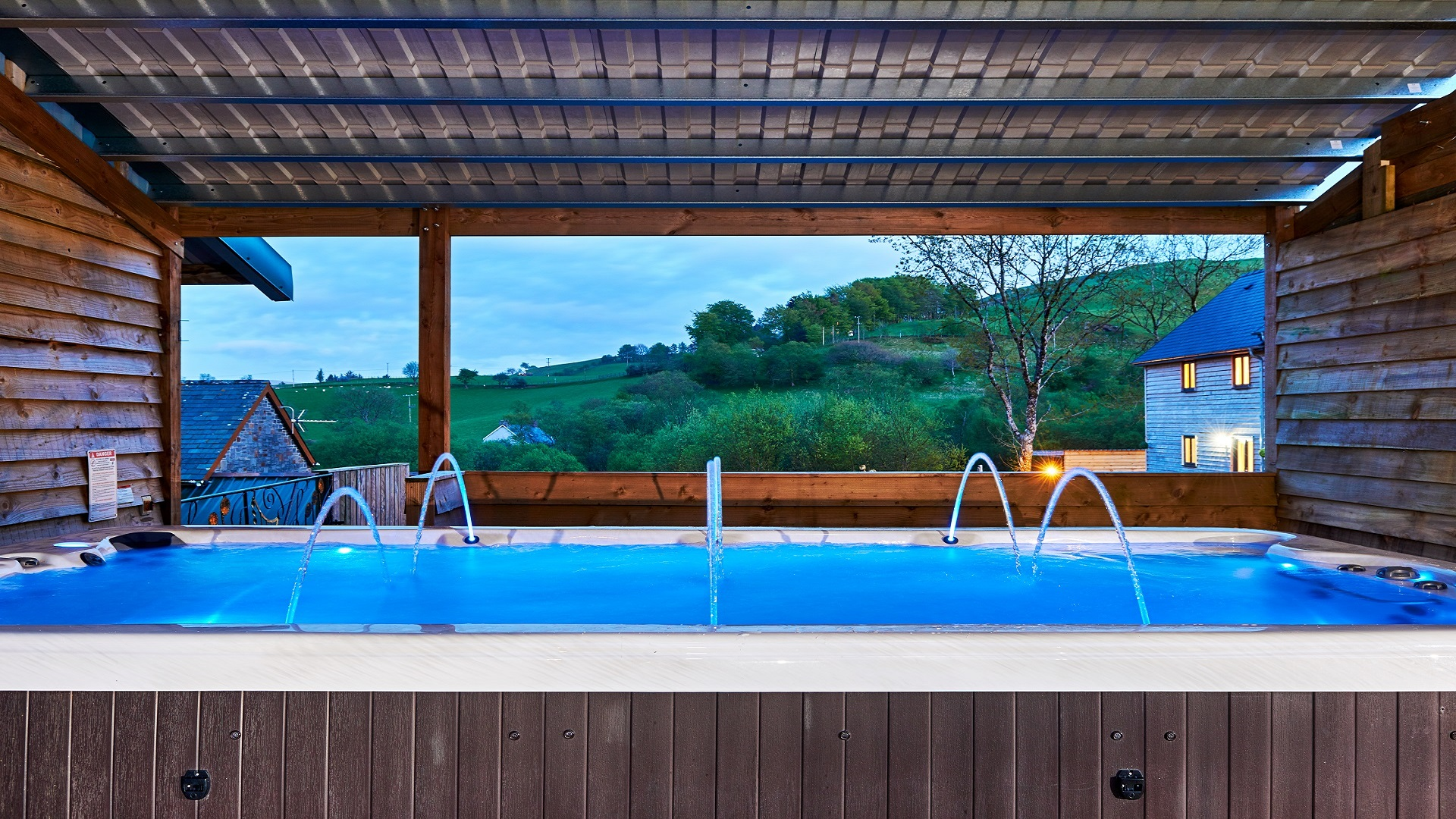 hot tub holidays wales, accommodation mid wales, holiday rentals wales